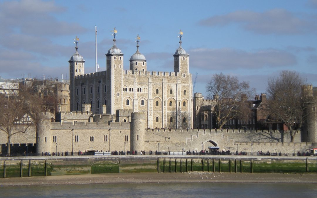 TOWER OF LONDON TOUR 4 HOURS