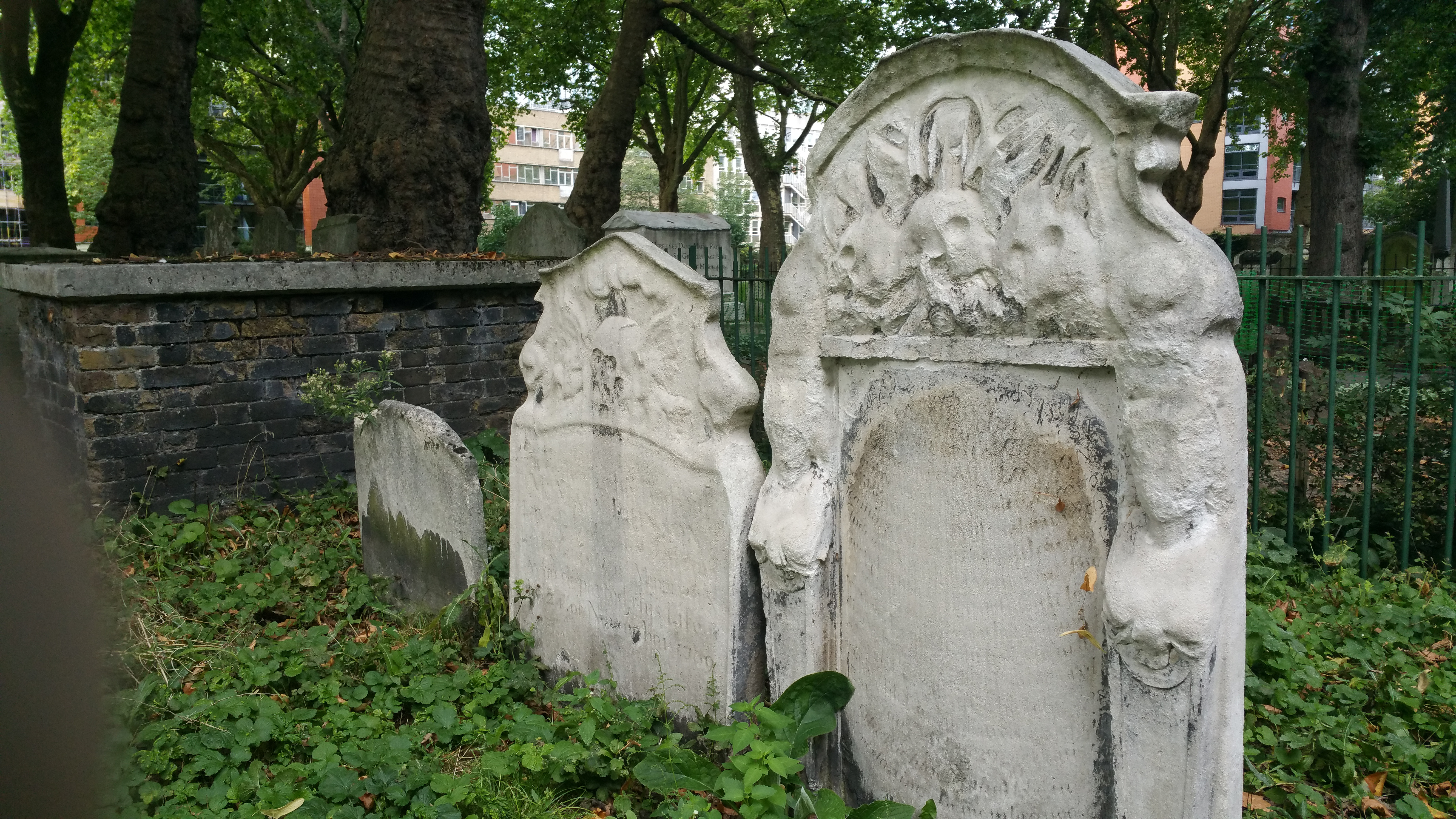 London's Dead and Buried – Dealing with its deceased citizens